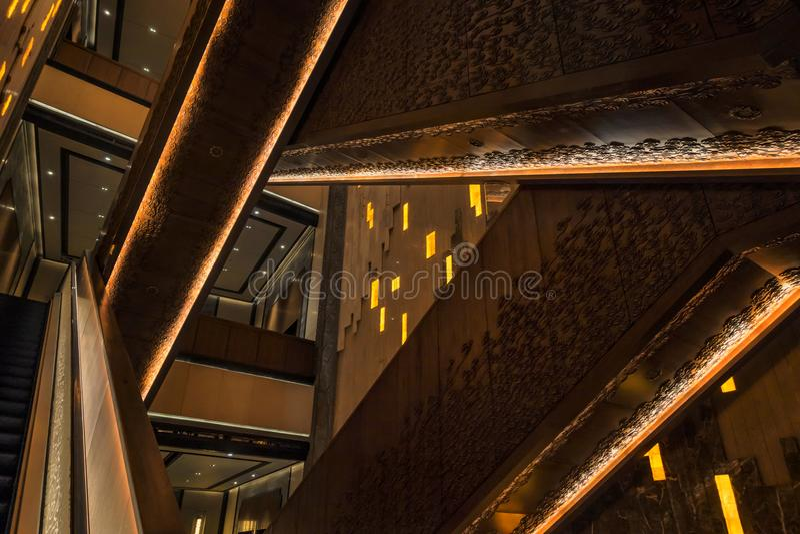 Líneas dentro del edificio
