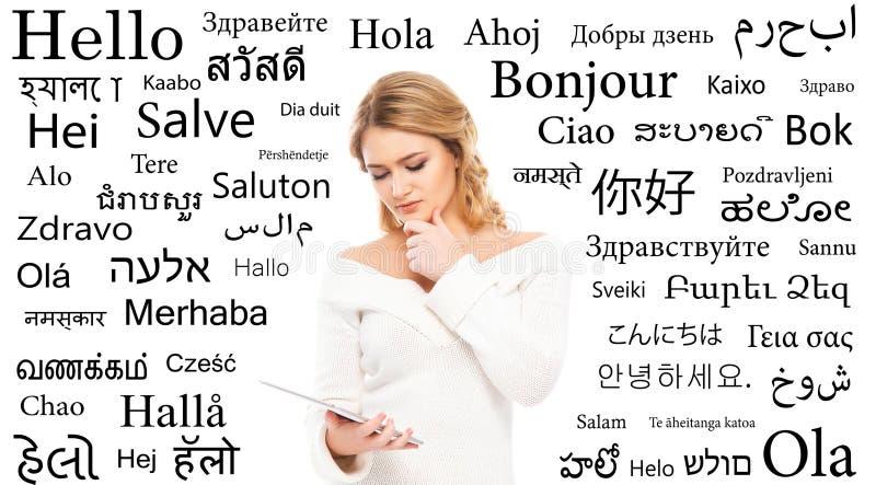 Línguas de mundo diferentes do estudo do adolescente foto de stock