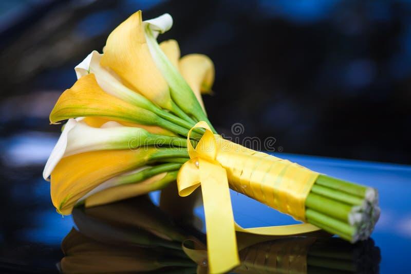 Lírios de Calla que wedding o ramalhete fotografia de stock royalty free