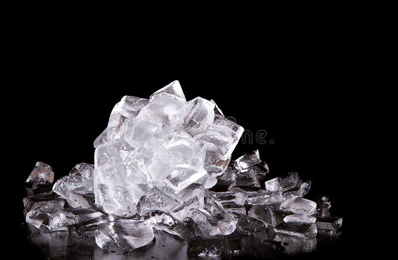 Lód na czarny tle fotografia stock