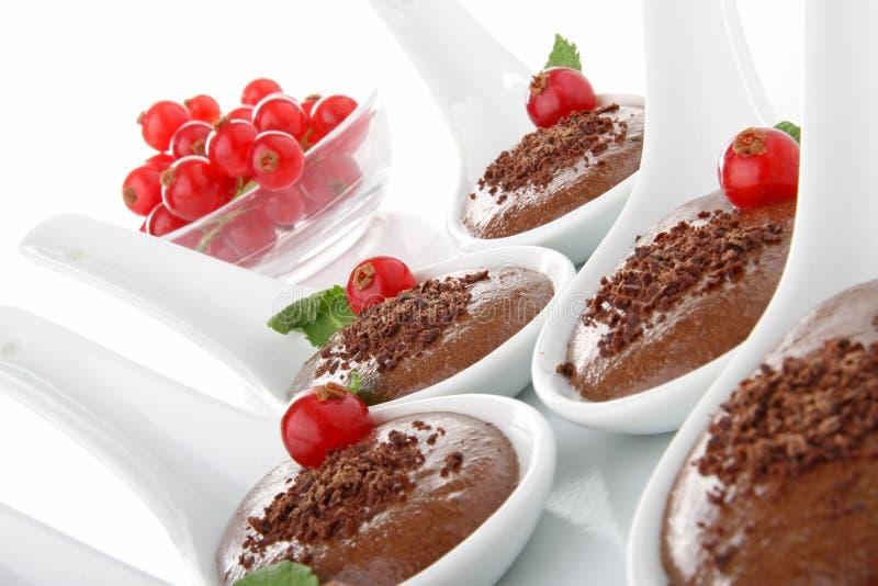 Löffel des Nachtischs, Schokoladencreme stockbilder