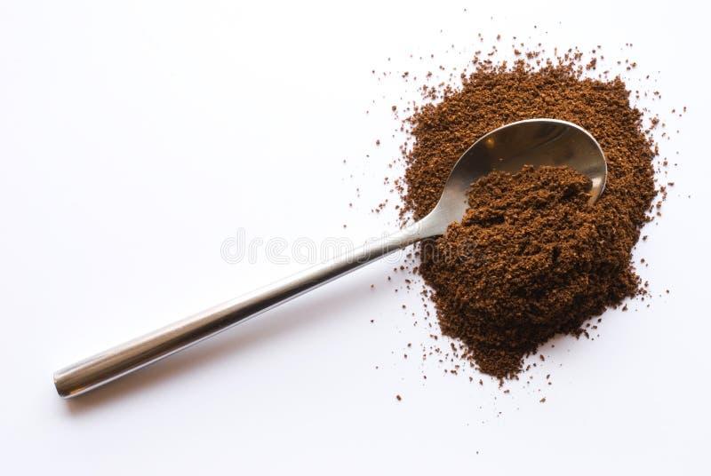Löffel mit Kaffee stockfotografie