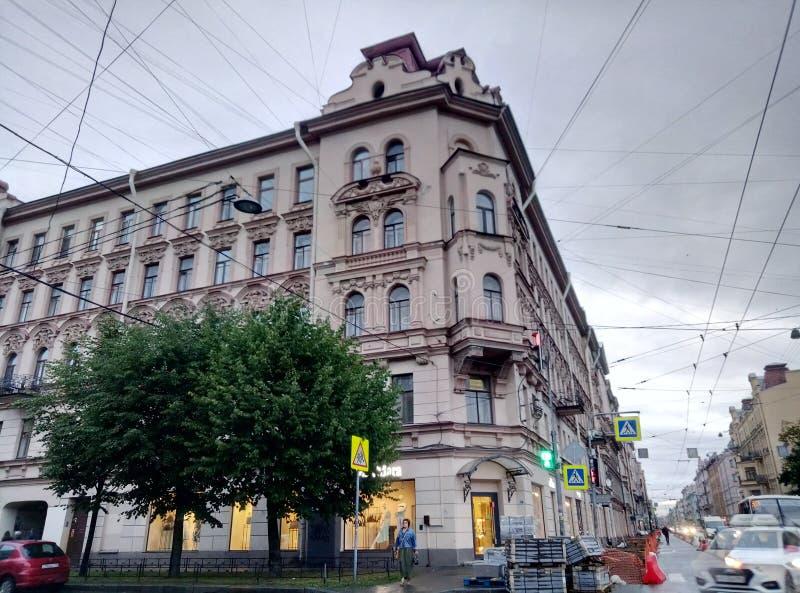 Lönande hus Kolobovs St Petersburg fotografering för bildbyråer