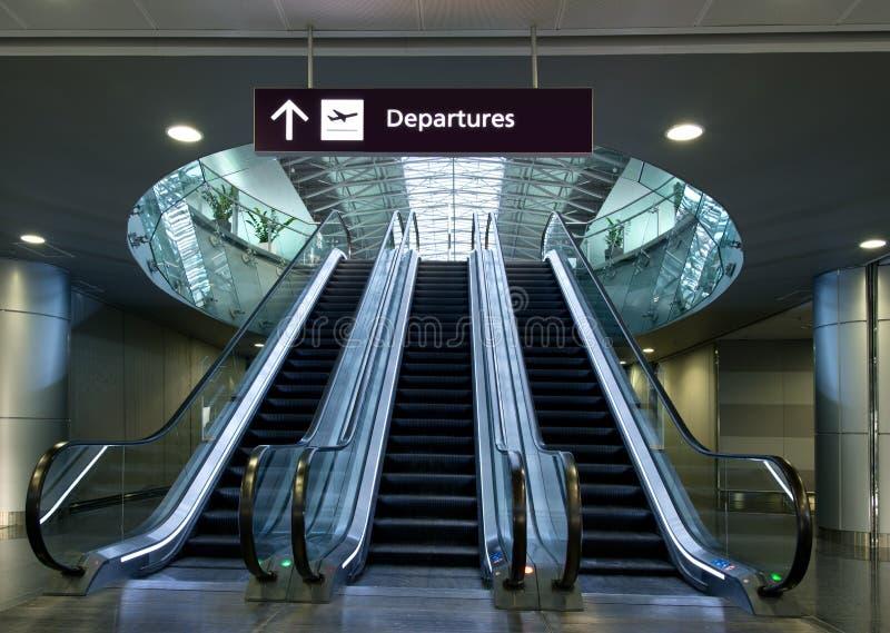 Löpande trappa för flygplats fotografering för bildbyråer