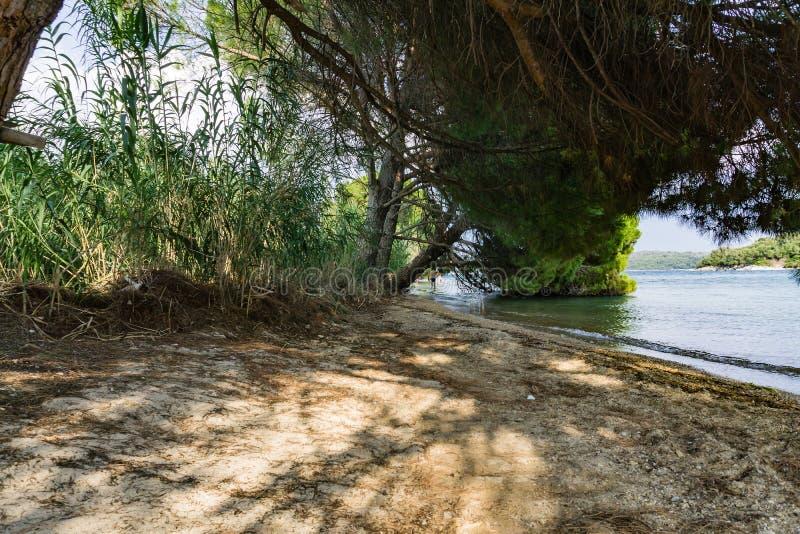 Lös strand i Nidrien, Lefkada ö royaltyfria bilder