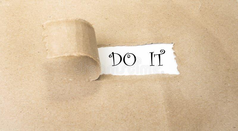 Löschen Sie das heftige braune Papier, das neue Herausforderungen aufdeckt lizenzfreies stockfoto