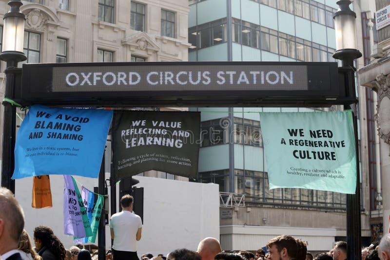 Löschungsaufstandsprotest-Oxford-Zirkus London stockbild