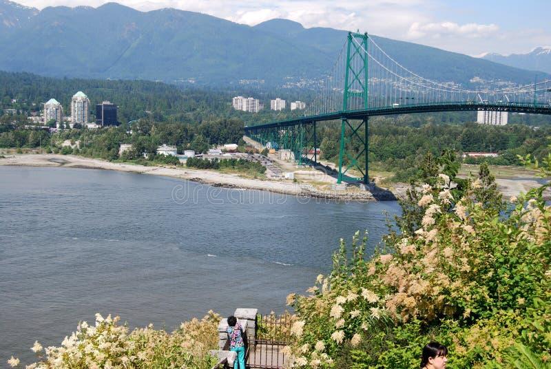 Löwe-Gatter-Brücke in Vancouver lizenzfreie stockfotografie