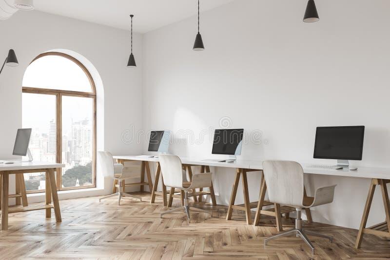 Lüpfen Sie weiße Büroecke des offenen Raumes, nahes hohes des Holzes stock abbildung