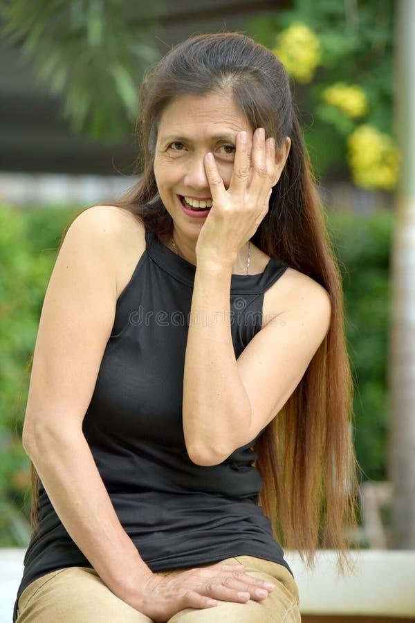 Lękliwa Stara filipinka kobieta zdjęcie stock