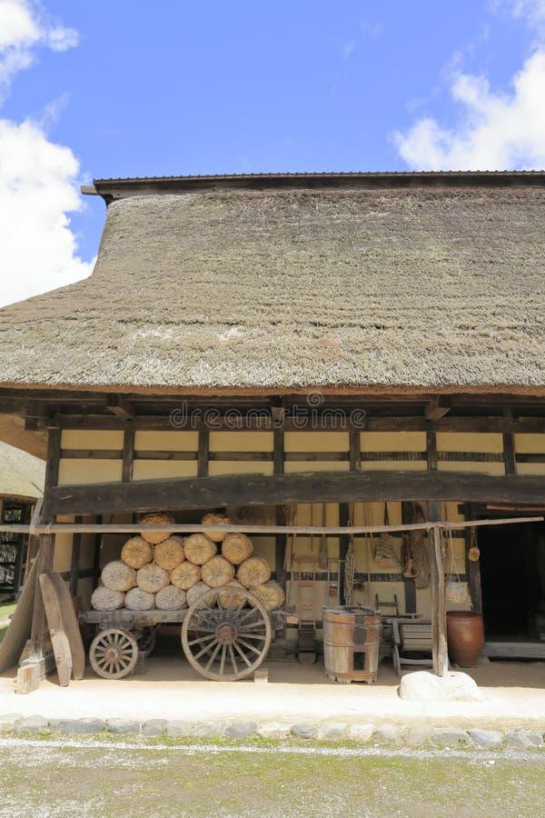L形的日本房子 库存图片