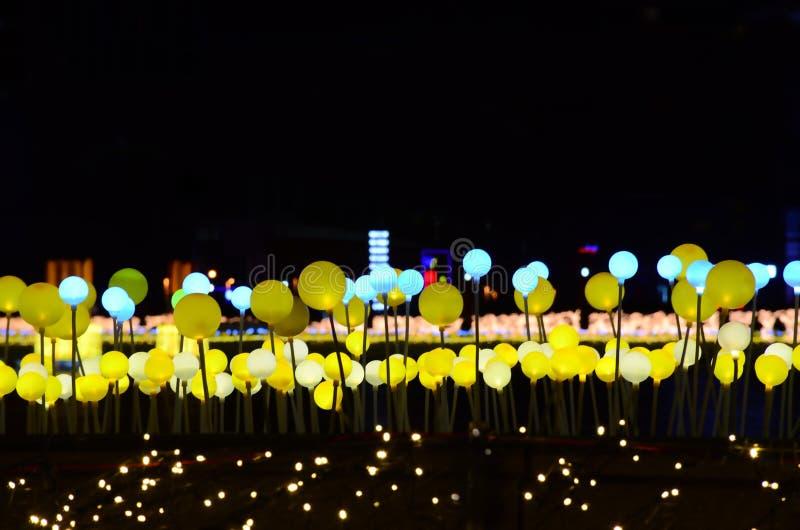 L'éclairage de la place de nuit photos stock