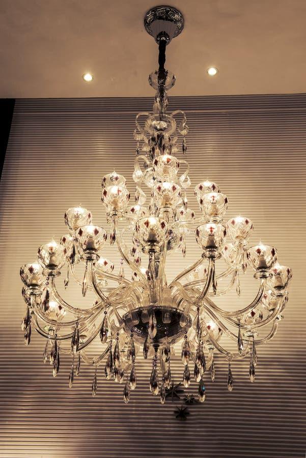 Download léclairage en cristal de lustre bougeoir de mur la lumière chaude