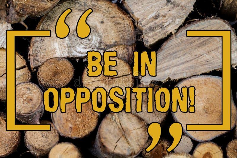 L'écriture des textes d'écriture soit dans l'opposition Concept signifiant en revanche ou conflit avec le groupe de l'apparence o image libre de droits