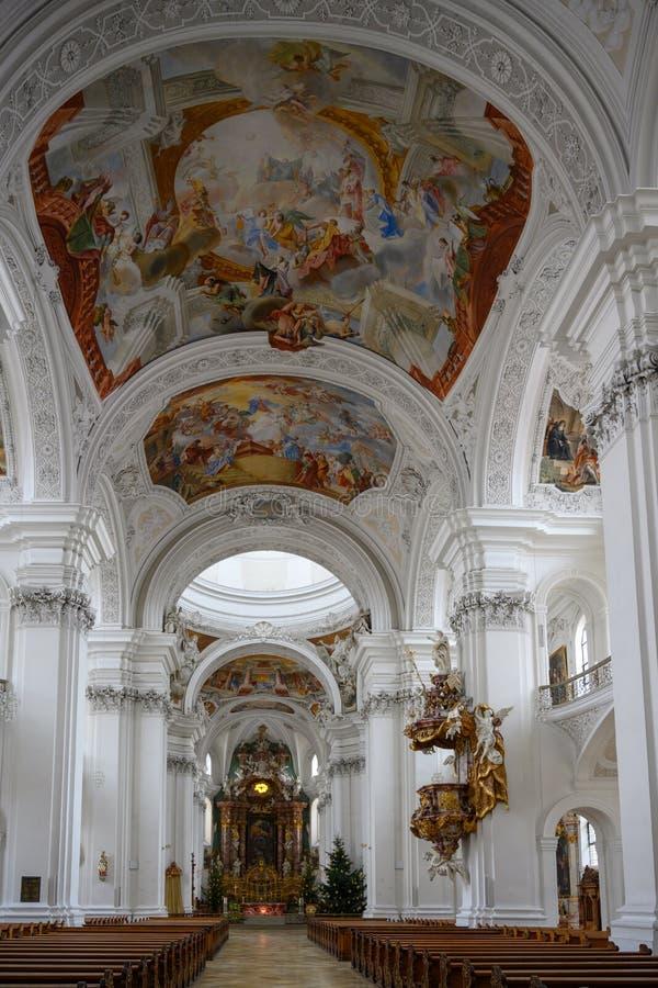 L'église baroque, a richement décoré Basilika St Martin, Weingarten, Allemagne photos stock