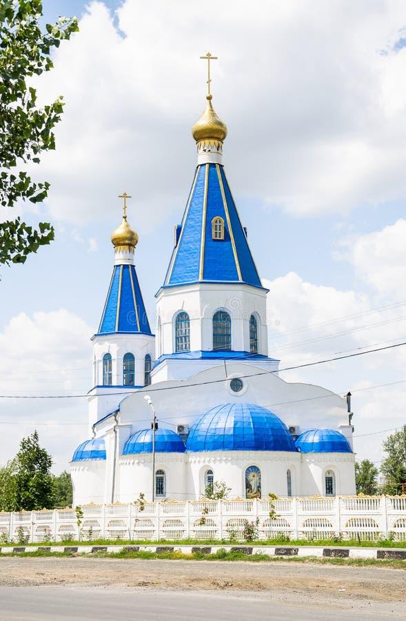L'église de l'intervention de la Vierge Marie bénie dans le cimetière du nord du Rostov-Na-Donu image stock