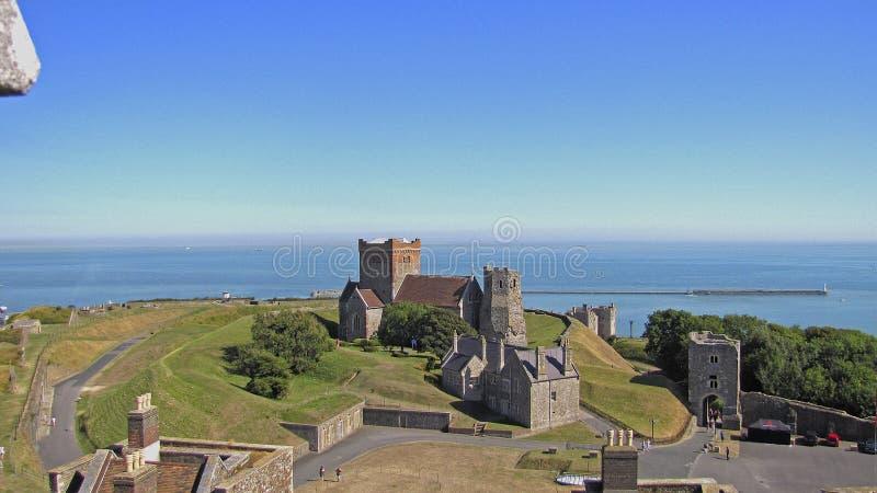 L'église de St Mary dans Castro et le phare romain antique images stock