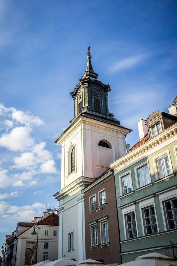 L'église du ` s de jacinthe de St dans la ville nouvelle de Varsovie, Pologne images libres de droits