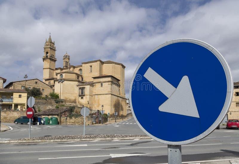 L'église du thel Ciego, La Rioja, Espagne et adresse obligatoire signent images stock