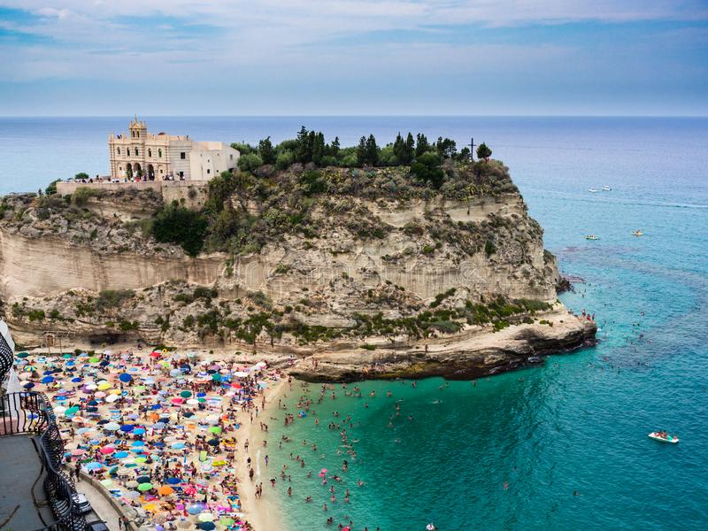 "L'église du vallon ""Isola, le symbole de Santa Maria de Tropea, Ital photo stock"