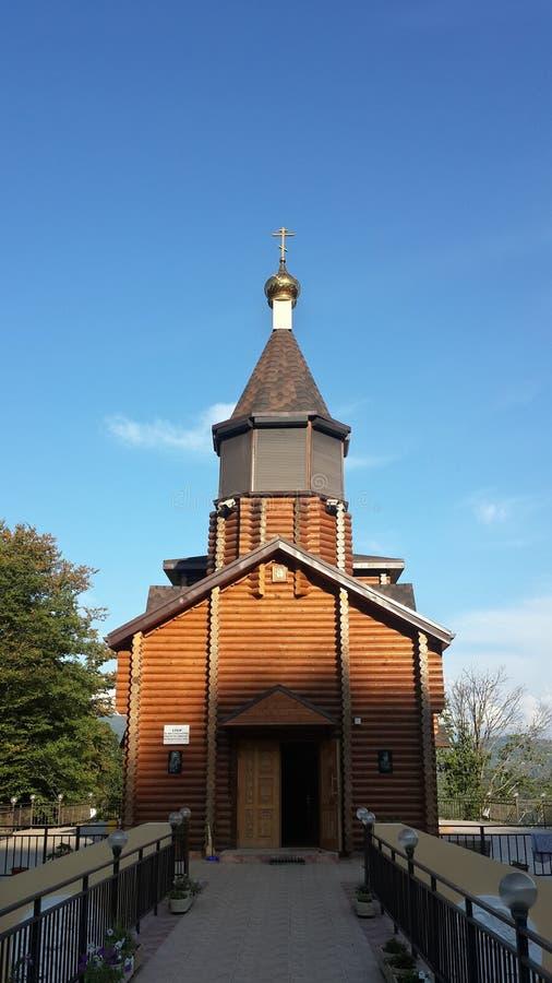 L'église en bois du tsar Nicholas II dans le village russe photos libres de droits