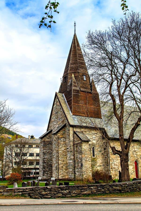L'église en pierre médiévale chez Voss, Norvège photos libres de droits