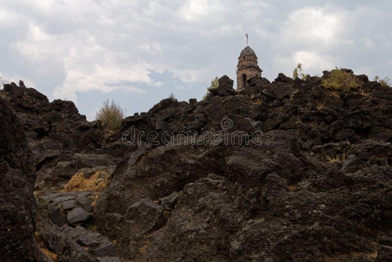 L'église enterrée 1 photos libres de droits