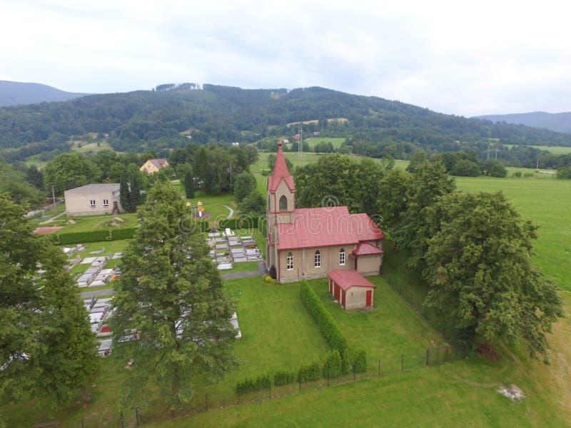 L'église et le cementery images libres de droits