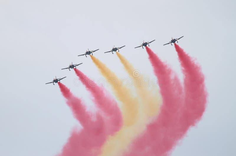 L'équipe acrobatique espagnole Patrulla Aguila photo libre de droits
