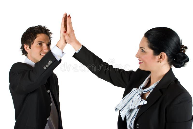 L'équipe d'affaires donnent la haute cinq photo stock