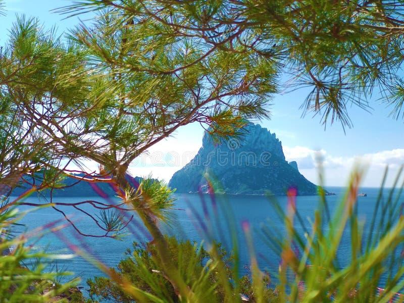 L'été vient, prépare pour les vacances dans la nature intacte des Îles Baléares pour découvrir l'ibiza et ses merveilles, comme photographie stock