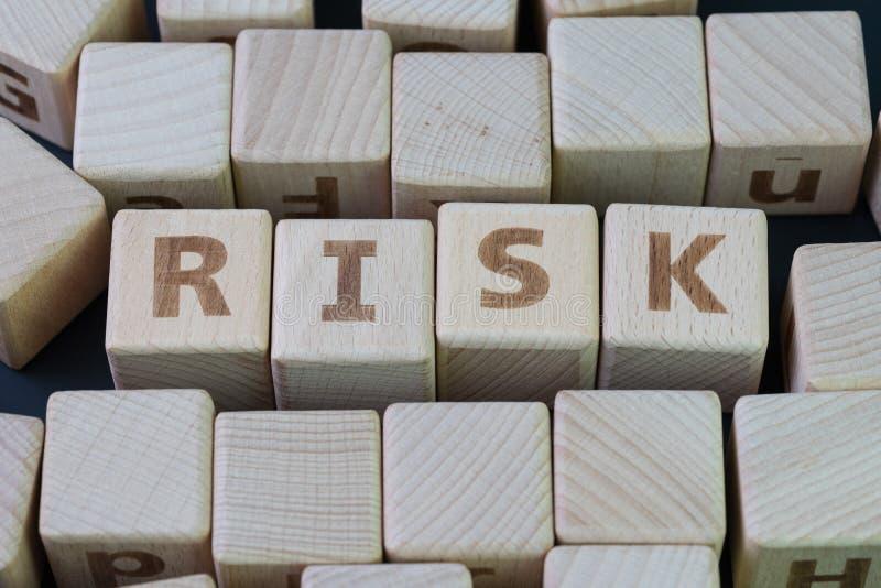 L'évaluation des risques, décision à acceptent le résultat d'affaires dans incertain photos stock