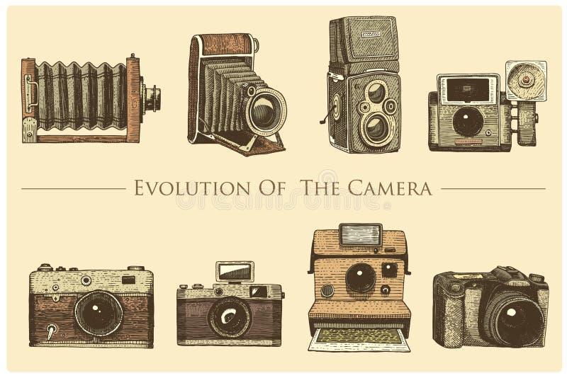 L'évolution de la photo, vidéo, le film, appareil-photo de film d'abord jusqu'maintenant au vintage, a gravé tiré par la main dan illustration stock