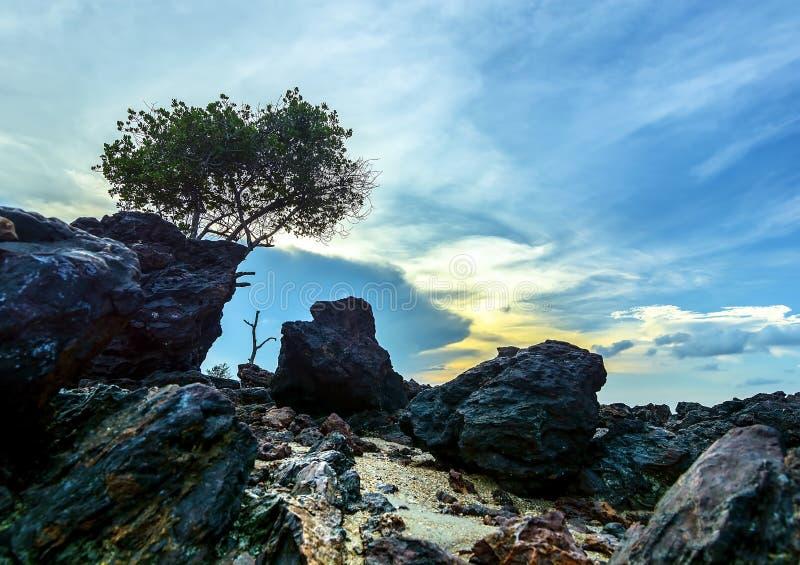 L'île de Bangka de roche Indonésie photo stock
