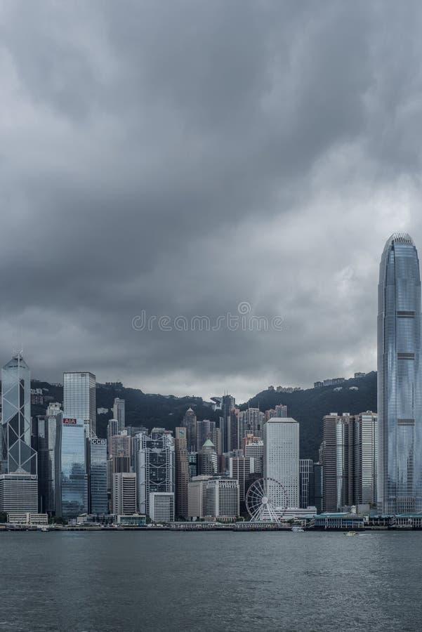 L'île de Hong Kong est vue de Kowloon chez Victoria Bay photographie stock