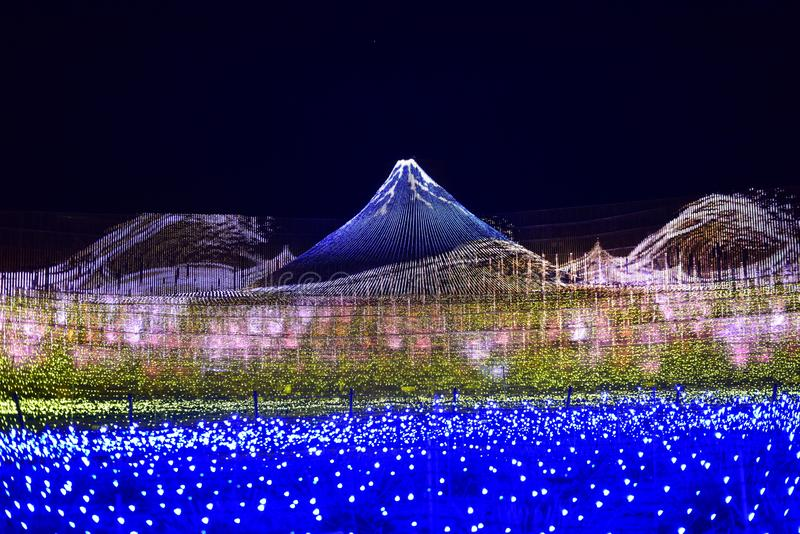 L'îlot du Mont Fuji à Nabana et Sato au Japon photographie stock