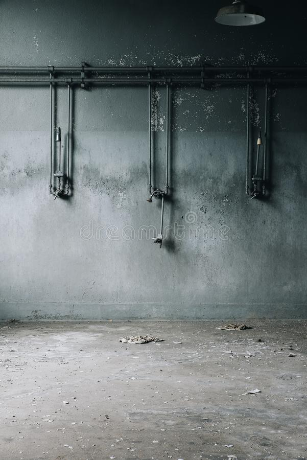 L'abbandonato inonda - fabbrica di elaborazione abbandonata del ferro - New York fotografia stock libera da diritti