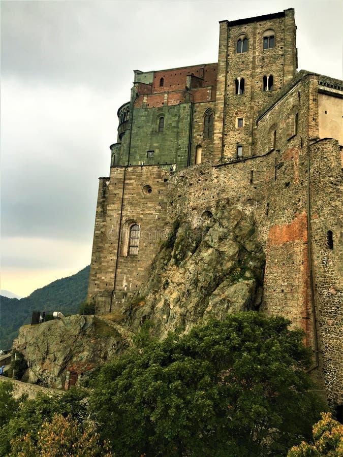 L'abbazia di St Michael in Val di Susa, Italia Arte, storia e spiritualità fotografie stock