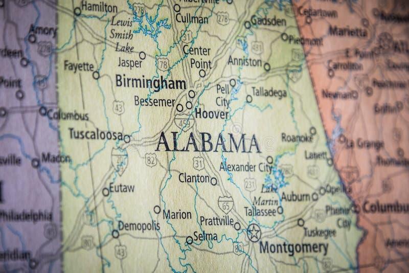 L'Accent Sélectif De L'État De L'Alabama Sur Une Carte Géographique Et Politique De L'État Des États-Unis images libres de droits