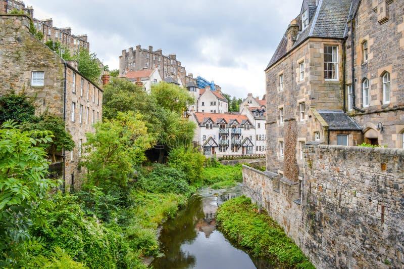 L'acqua di Leith in decano Village, Edimburgo, Scozia immagini stock libere da diritti