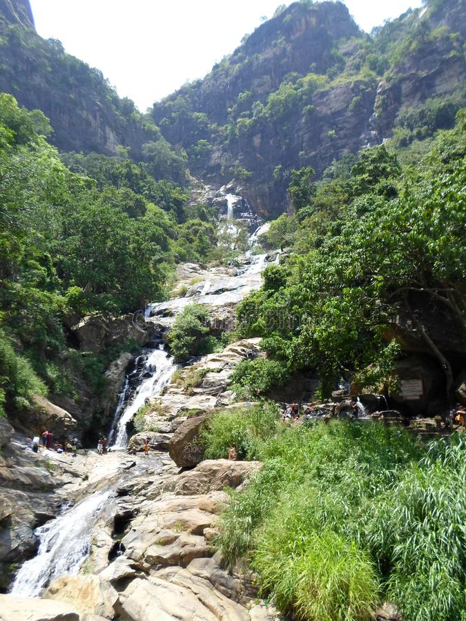 L'acqua di Rawana cade in lanka fotografie stock