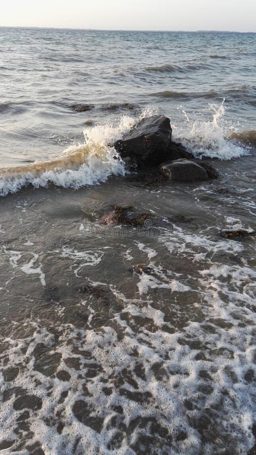 L'acqua di volo immagine stock