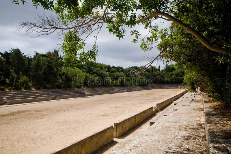 L'acropoli del greco antico mette in mostra lo stadio fotografia stock