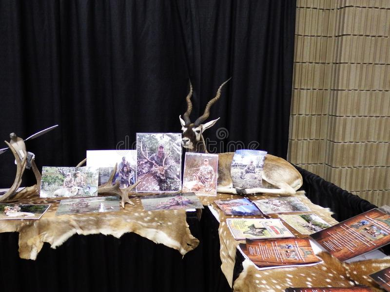 L and L Adventures Hunting Trips Vendor Booth at Buckmasters Competition Montgomery, Alabama stock foto