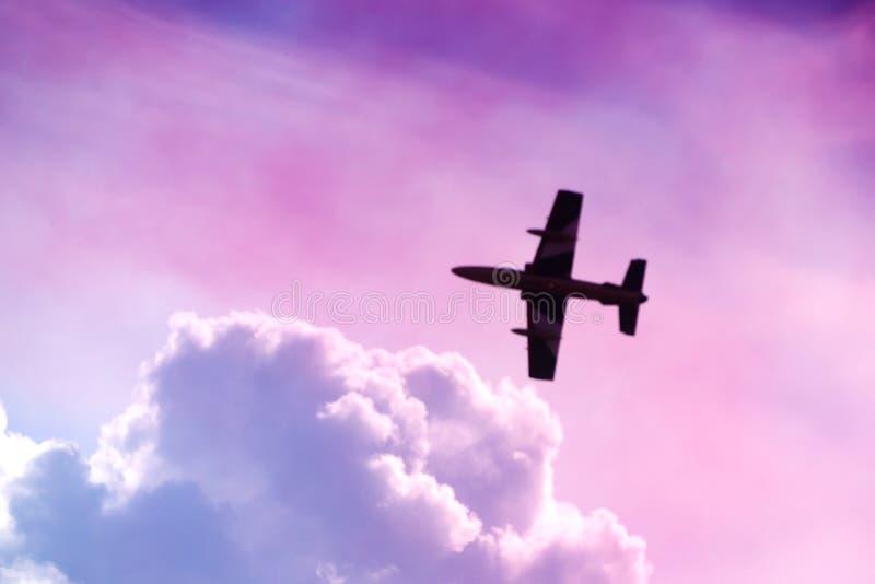 L'aereo nel cielo immagini stock