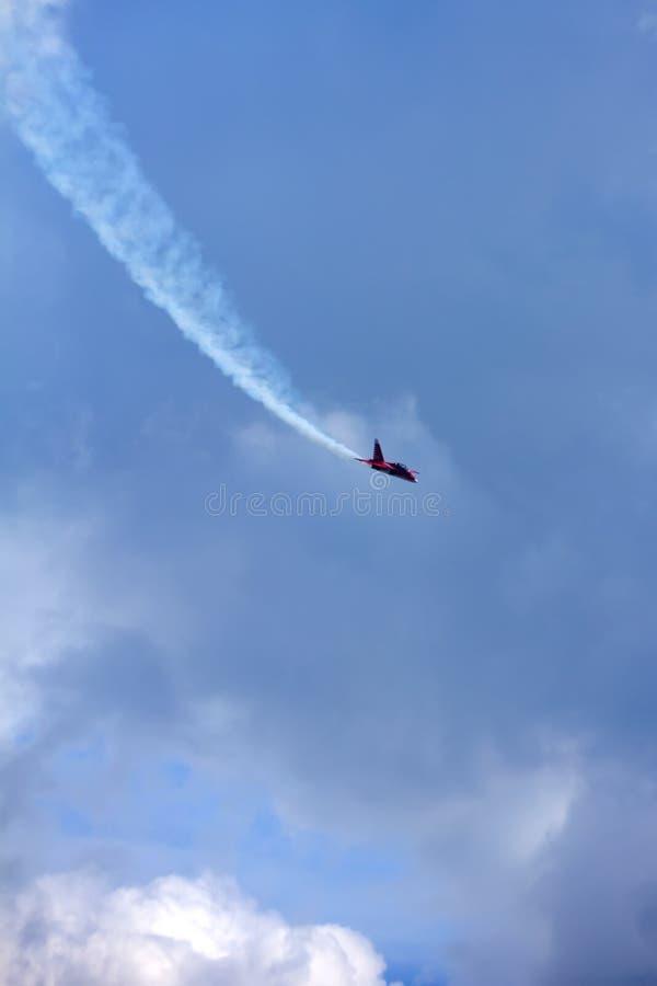 L'aereo nel cielo immagine stock libera da diritti