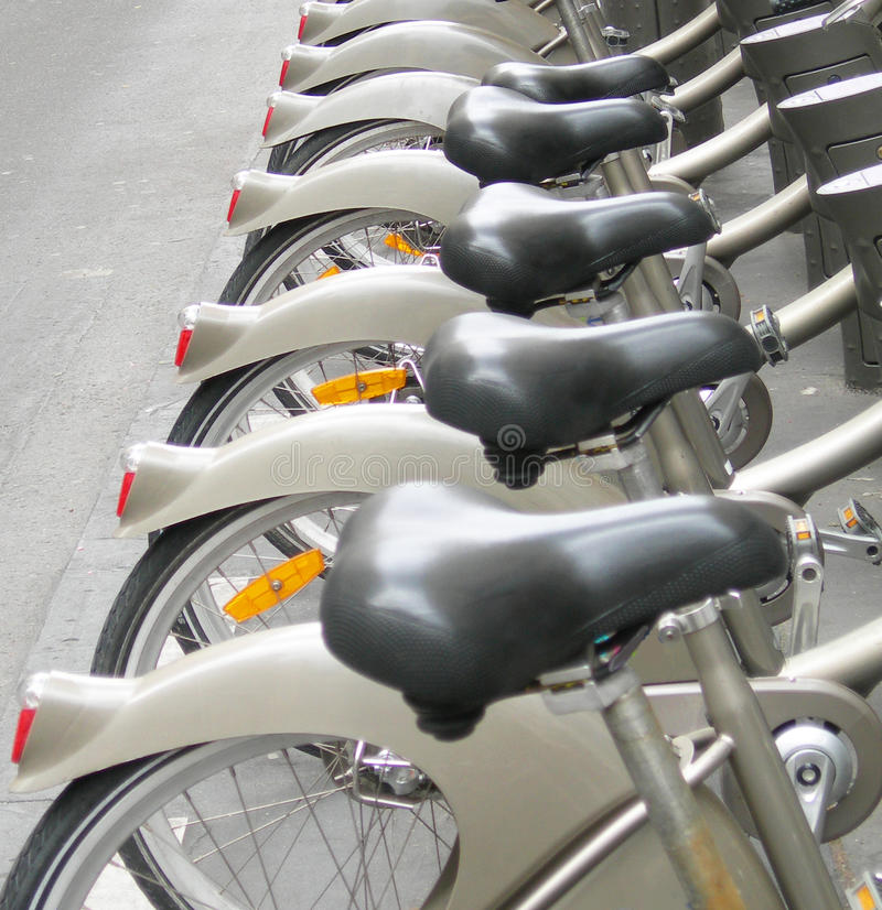 L'affitto va in bicicletta Parigi Francia fotografia stock libera da diritti