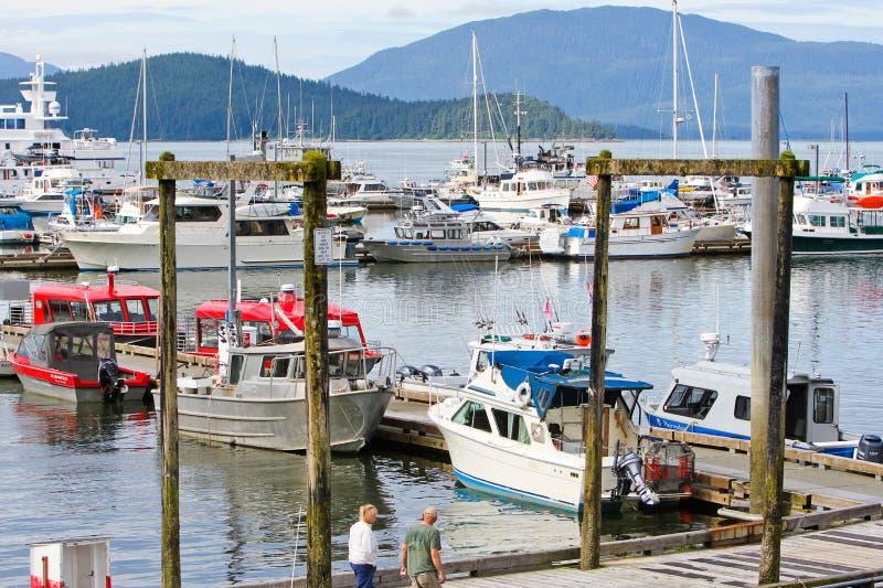 l'Alaska - bateaux en marina de port de baie d'Auke image libre de droits