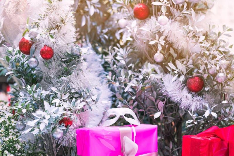 L'albero di Natale decora per celebra il Buon Natale e un ha immagine stock libera da diritti