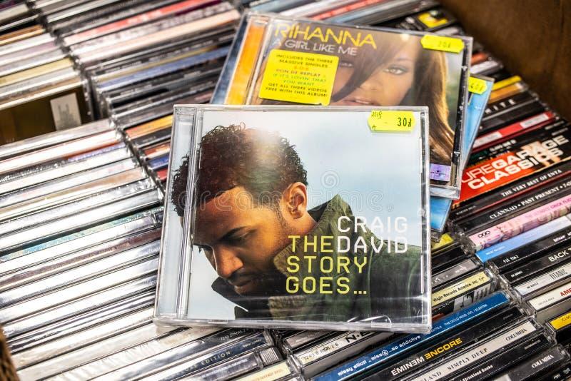 L'album de CD de Craig David l'histoire dispara?t 2005 sur l'affichage ? vendre, chanteur anglais c?l?bre, compositeur, frappeur images stock